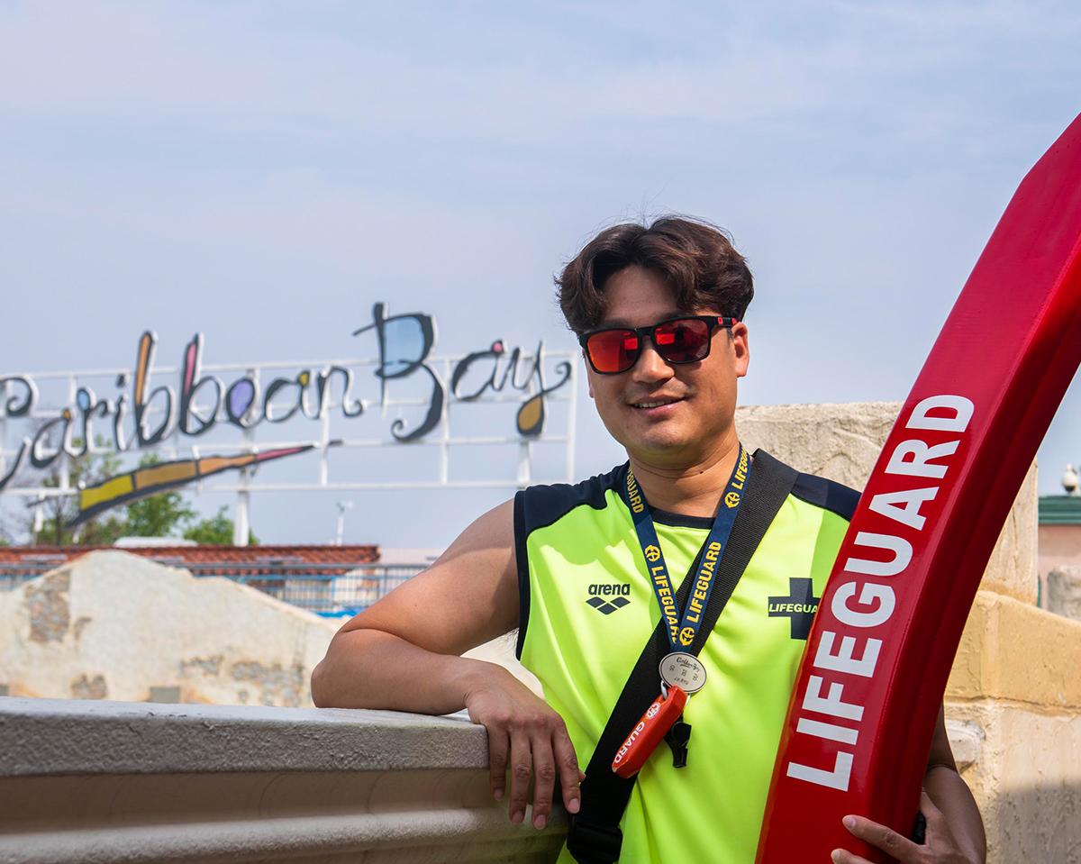 Samsung C&T Meet the Heroes: A Day in the Life of a Caribbean Bay Lifeguard