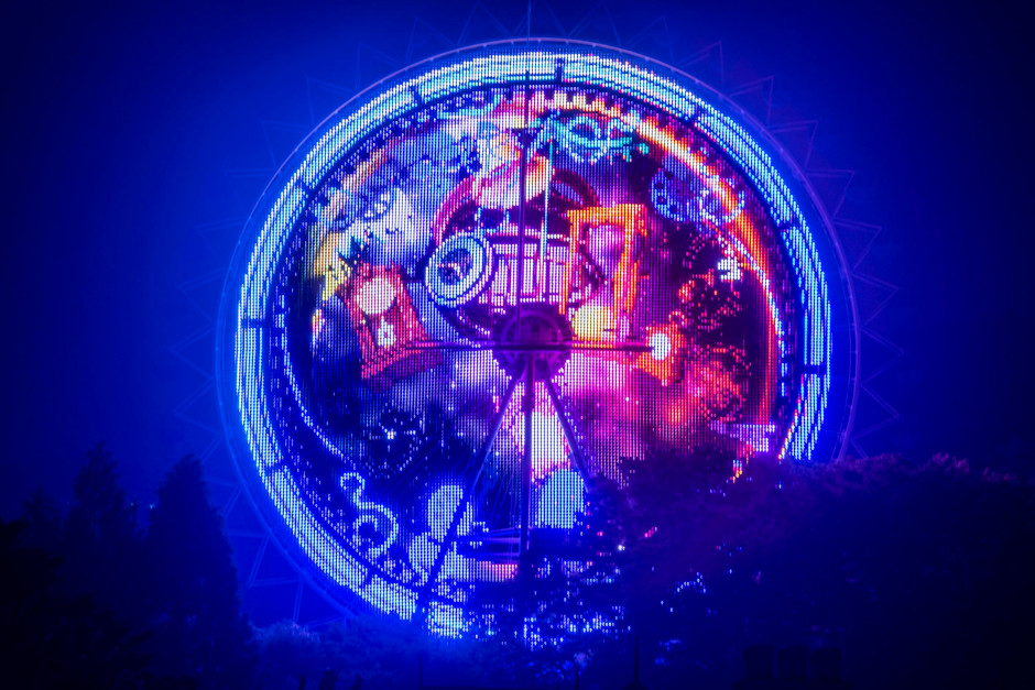 Everland's Universe Big Wheel is illuminated with thousands of LEDs as it becomes one of two big screens presenting this summer's Time Odyssey show.