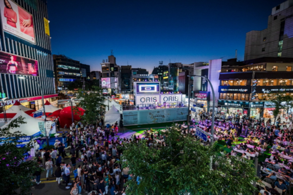 An aerial view of last year's Sinchon Beer Festival. Source: visitkorea.co.kr