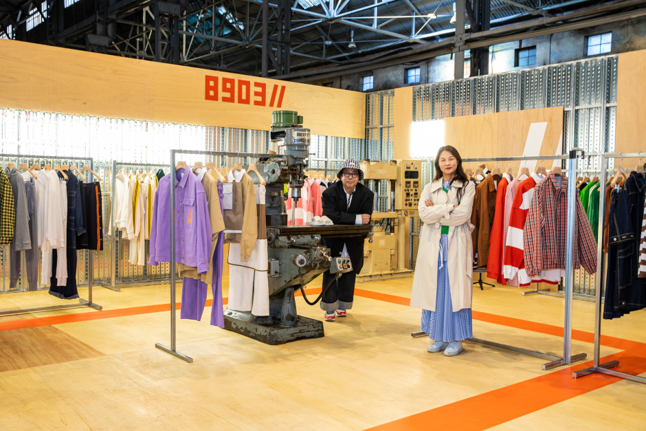 Jung Ku-ho (left), creative director of the Beanpole division, and Park Nam-young (right), division leader of Beanpole, introduce the brand's renewal.