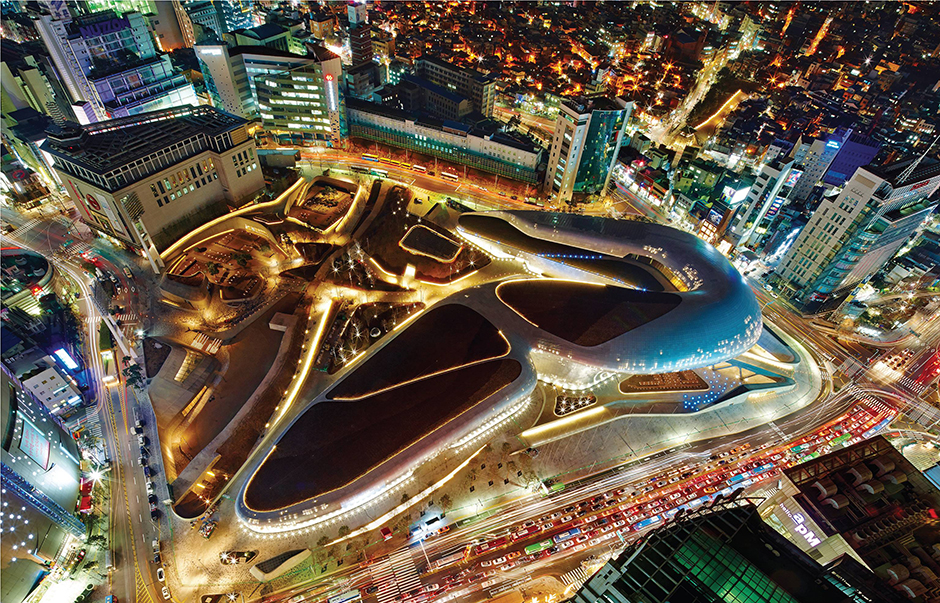 Is it a spaceship? No, it's Dongdaemun Design Plaza!